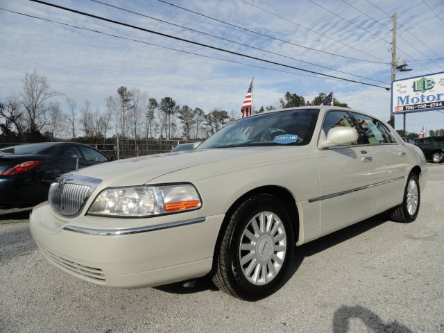 2005 Lincoln Town Car Signature 8084 L B Motors Inc Used